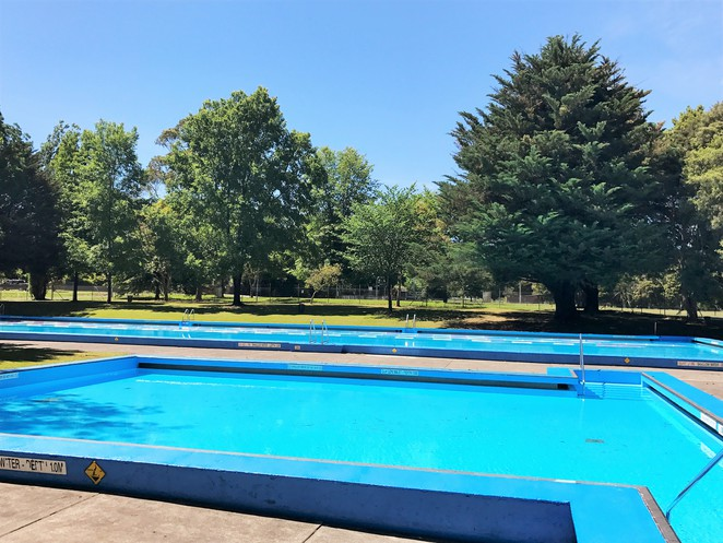 Healesville Outdoor Pools Queens Park Family Fun Day Trip