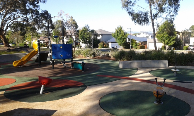 heritage park, forde, canberra, ACT, playgrounds, parks, picnic areas, BBQs, best playgrounds,