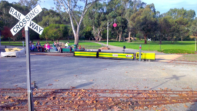 lakeside railway, miniature train rides, inchiquin lake reserve, clare valley