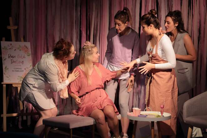 Nevernatal, babies, theatre, marriage, relationships, women, singles, freya magee, club Voltaire, Melbourne fringe festival, Melbourne, comedy