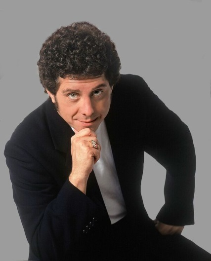 Steve McCoy as Tom Jones
