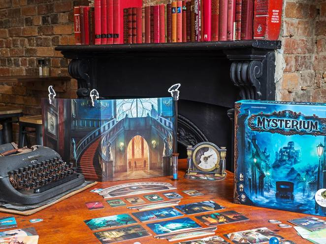 Queen of Spades Board Game Mysterium