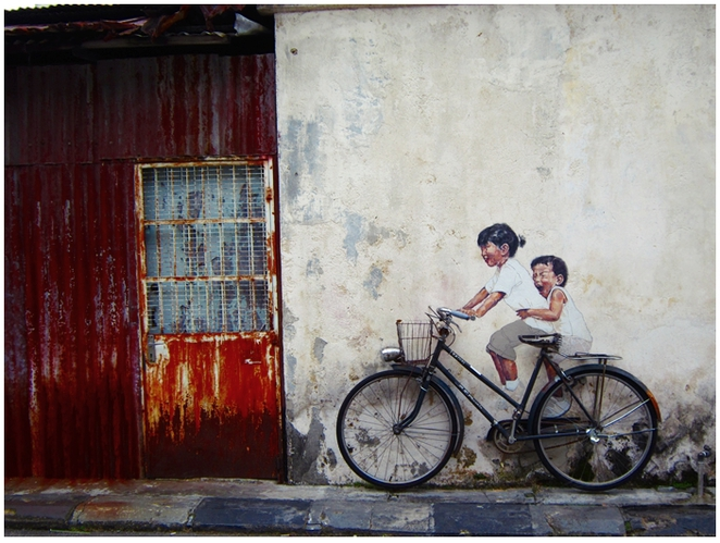 Armenian Street, Penang Street Art, Mural, Ernest Zacharevic, Little CHildren on a bicycle,