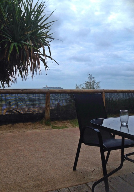 Beach cafe Caloundra kings