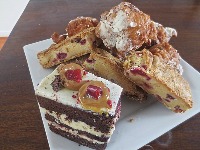 dolcini catering, high tea, pastry chef, bridal shower, birthday, dessert buffet, custom catering