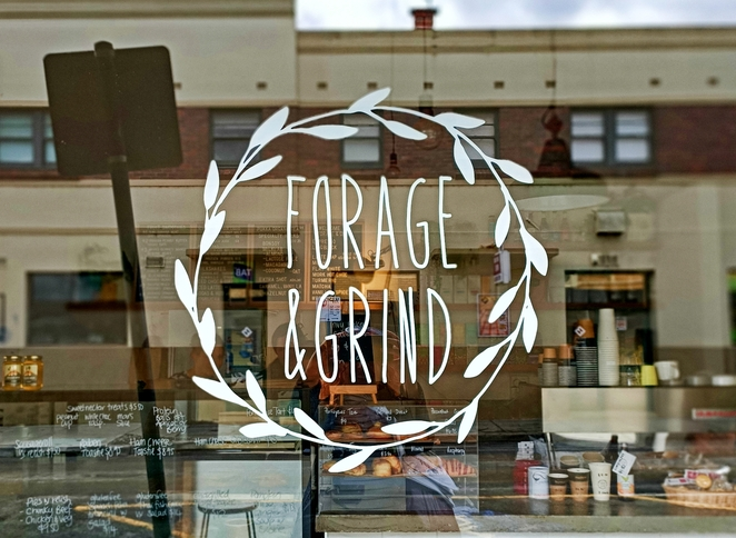 Forage and Grind, cafe, Bair at, Leongatha, ground coffee, smoothies, pastries, dried flowers