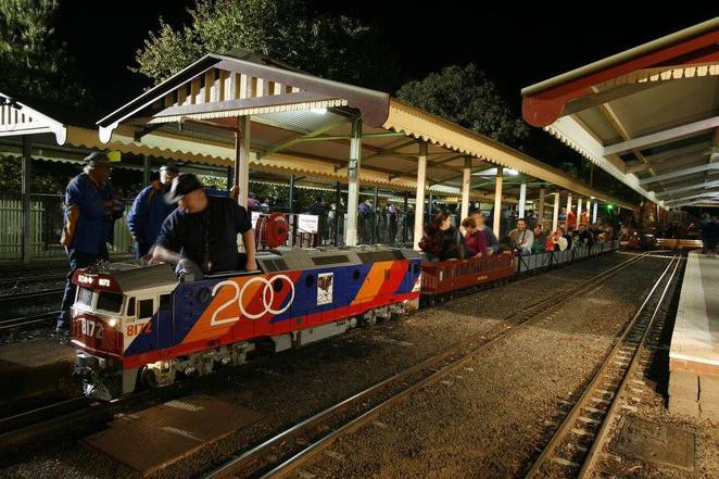 Night Time Miniature Train Rides. Scary or FUN?