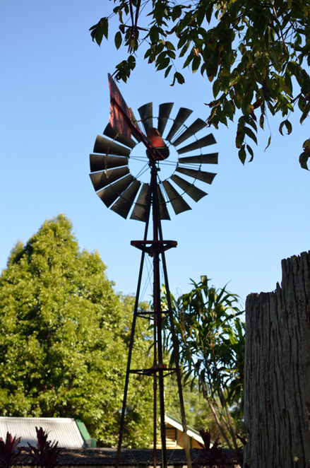 old windmill, historic village, mt tamborine