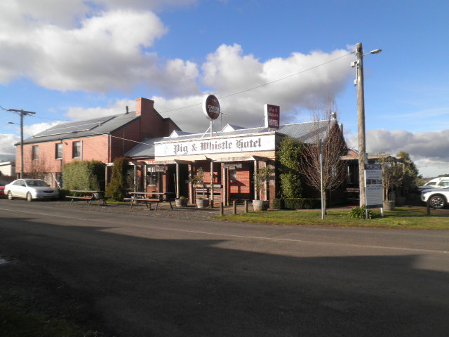 Pig and Whistle Hotel, Trentham East.