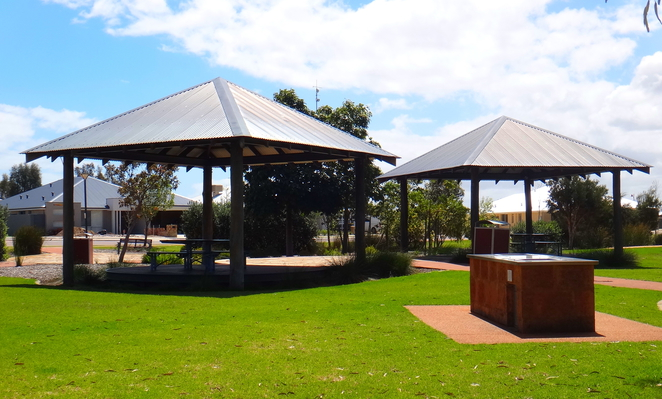 rivergums park, baldivis, playground, bbqs, benches, flying fox, gazebo, birds