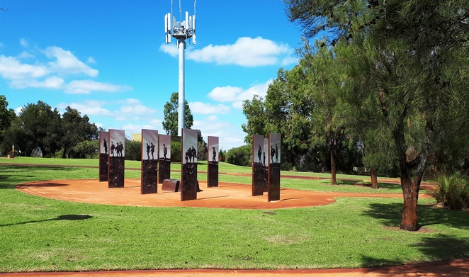 Wireless Hill Park, War Memorial, ANZAC Day, Ardross, bush