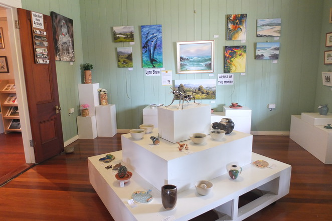 Yandina Historic House, Information Centre, dedicated volunteers, free entry, historical displays, local Sunshine Coast artists' work, Yandina Craft & Gifts, gift shop, novelty items, devonshire teas, light lunches, quiche with salad, hot soups, coffee, parkland setting, make a pit-stop
