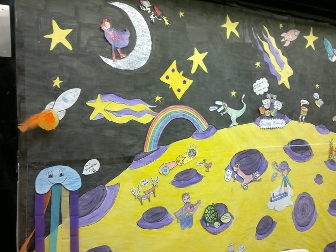 Mural by Starlight Express Room visitors and Captain Starlights.