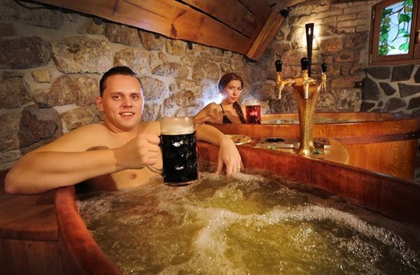 beer spa, beer bathing, tradition, ritual, celebration,
