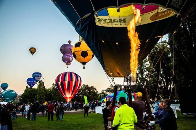 canberra balloon spectacular, ACT, canberra, autumn, seasons, weather, whats on, festivals,