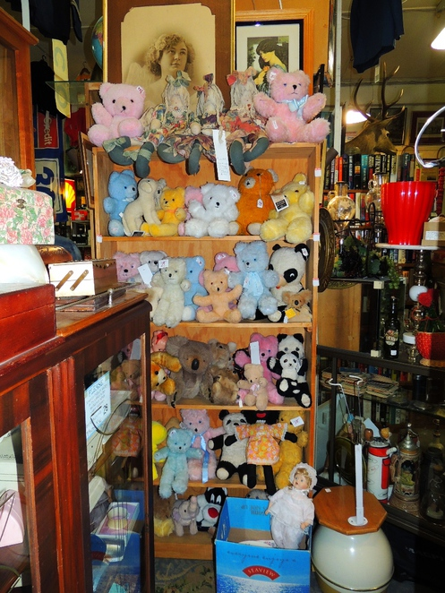 in adelaide, online shop, boutiques stores, antique and, antiques in, antiques, where to find antiques, second hand shops, teddy bears