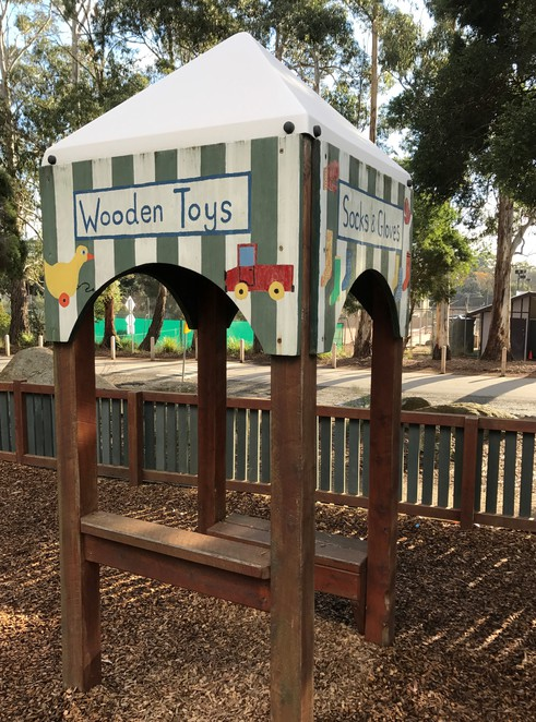 montrose, park, playground, community, fun, free, family, picnic, quirky art