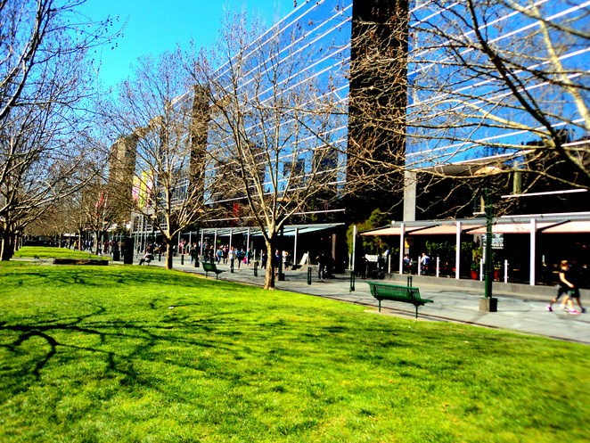 southbank melbourne apartments and restaurants