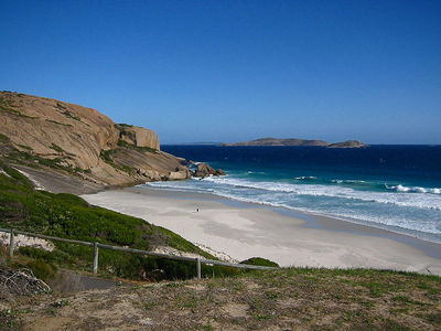 West Beach, Esperance. Image from Wikimedia Commons (by Cookaa)