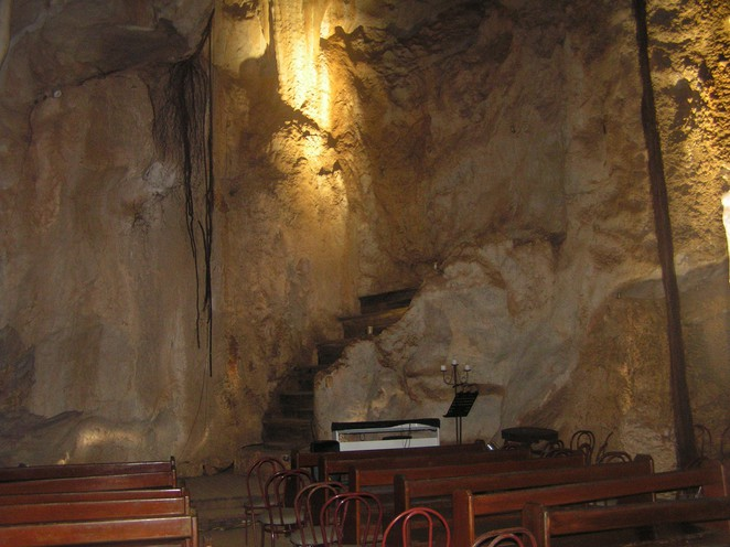 Cathedral Cave, Capricorn Caves, caves, caving, tours, limestone, Rockhampton