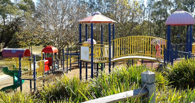 hope marland playground, queanbeyan, best playgrounds in queanbeyan, playgrounds, parks, queanbeyan, NSW, BBQ areas, picnics