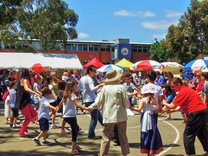 strawberry fair, edwardstown primary school, activities for kids, in adelaide, white elephant, live music, market stalls, south of Adelaide, fun things to do, children dancing