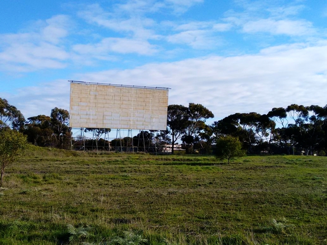 abandoned, awesome adelaide, urban exploration, urban exploration adelaide, urbex, disused buildings, ruins, derelict, disused, star line drive in