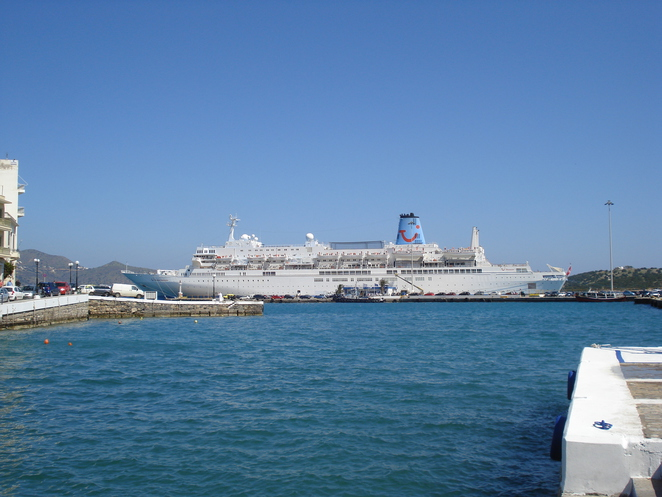 cruiseship in the harbour