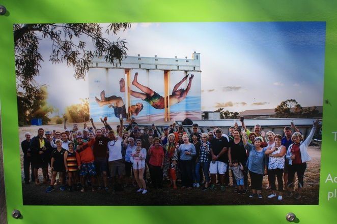 Building Strong Communities - Tumby Bay Silo Art