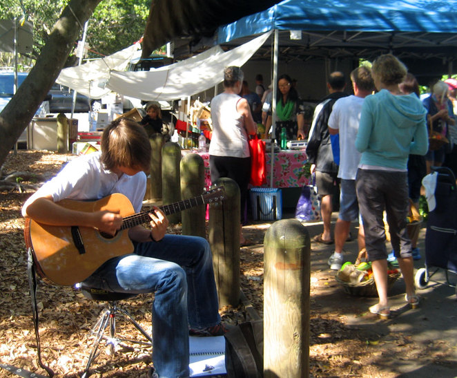 Busker at the Northey Street Markets