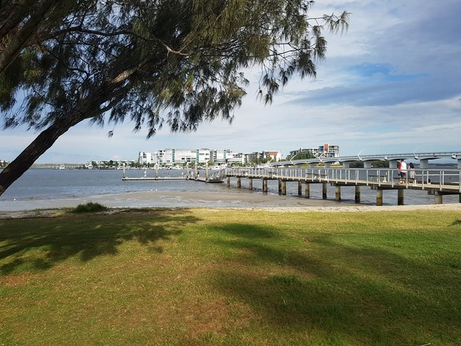 Paradise Point, Gold Coast, swimming enclosure, beach, jetty, family outing