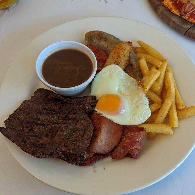 pub, mixed grill, lunch, dinner, one tree hill, adelaide hills, pub grub, beer, wine