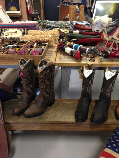 Surf meets southwest, Noosa shopping, American Indian shop