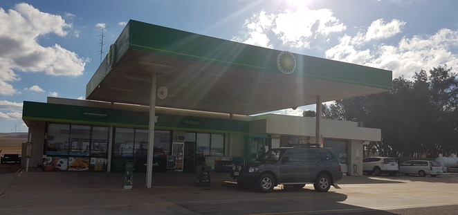 BP Snowtown Roadhouse, Augusta Highway, Snwtown, Indian food