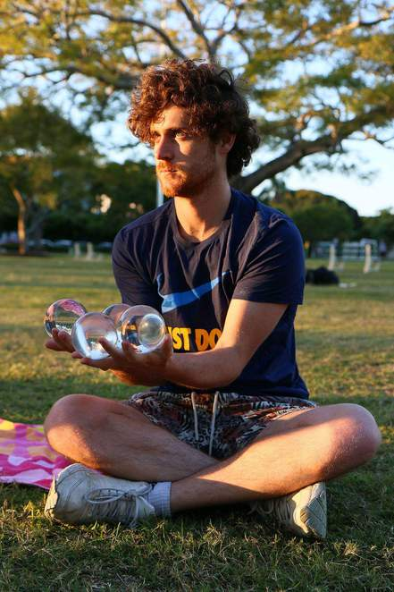buskers, street performers, festivals, Currumbin, music, circus, adam brand, melon the human, buskers by the creek