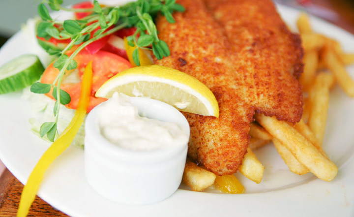Brisbane 39 s best seafood restaurants near the sea brisbane for Best fish and chips near me