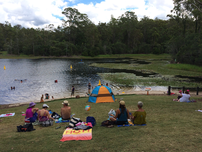 Recreational users of Enoggera Reservoir (Courtesy of Kerry Raymond, Wikicommons)
