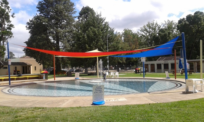 manuka pool, manuka, griffith, canberra, swimming pools, first pool in canberra, ACT, swimming, toddler pools, playground