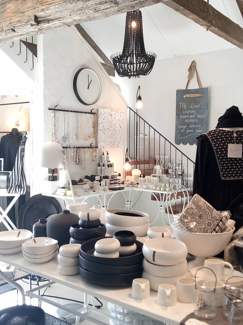 Retail shop, french provincal, giftwares, homewares, clothing, cafe, lunch, breakfast, gardens, nursery, family friendly, eltham