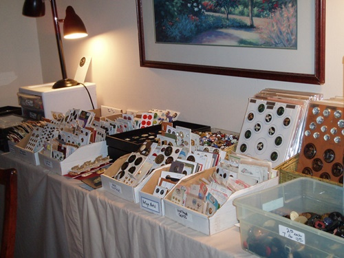selling,buttons,at,US,convention