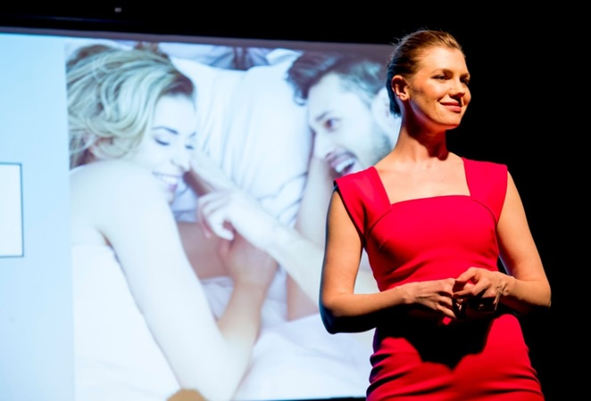 Appropriate Kissing for All Occasions, David Finnigan, Isab Martinez, Louise Howlett, ReAction Theatre, Club Voltaire, 2017 Melbourne Fringe Festival, North Melbourne, Lindsay Saddington
