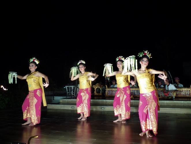 barong dance at Samabe Bali Suites & Villas