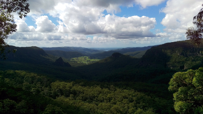 Numinbah Valley and Ships Stern, Turtle Rock and Egg Rock (Kurraragin)