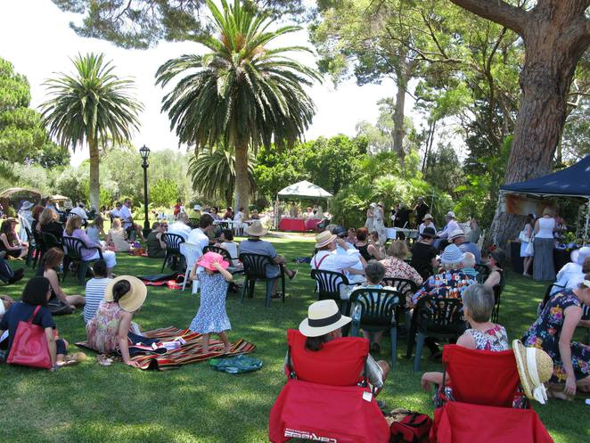 free things to do, fun things to do, fun for kids, in adelaide, things to see and do, family entertainment, whats on in adelaide, fringe festival, adelaide fringe, summer sundays