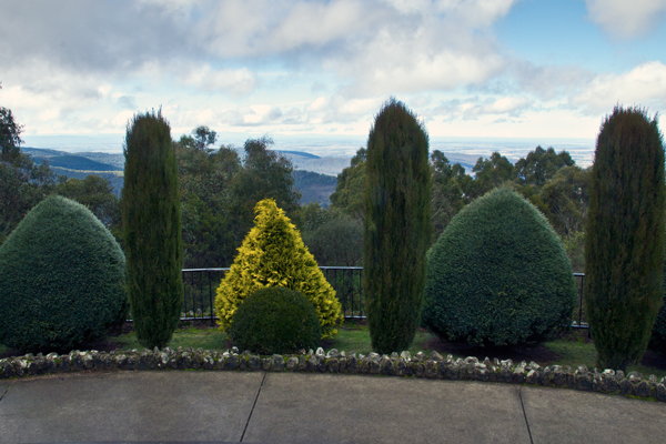 mount macedon, macedon ranges, giant cross memorial, lookout, gardens,