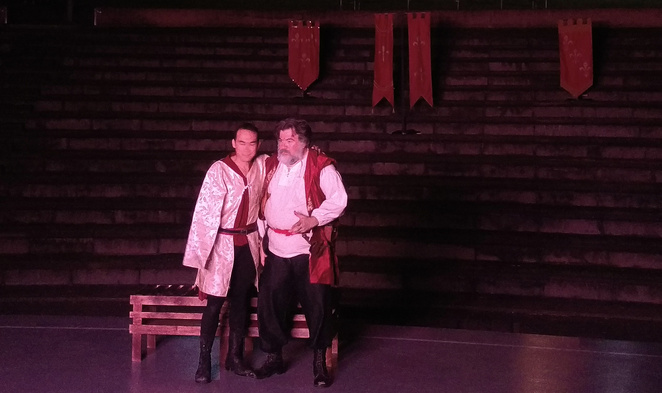 Silvan Rus as Prince Hal and Rob Pensalfini as Falstaff