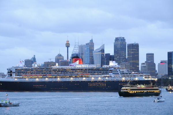queen mary 2 cruises around australia