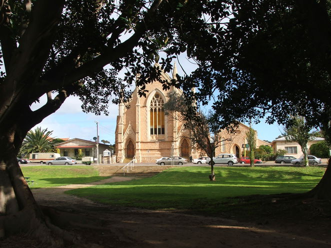Queens Square, church, historic building, Moonta, Uniting Church, Methodist Church
