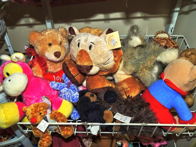 secondhand, thrift shop, charity, volunteers, doctors without borders, shop, clothing, children, books, soft toys