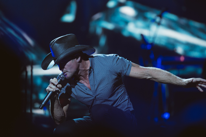 tim mcgraw adelaide concert